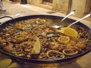 A classic meat and seafood paella at La Fonda