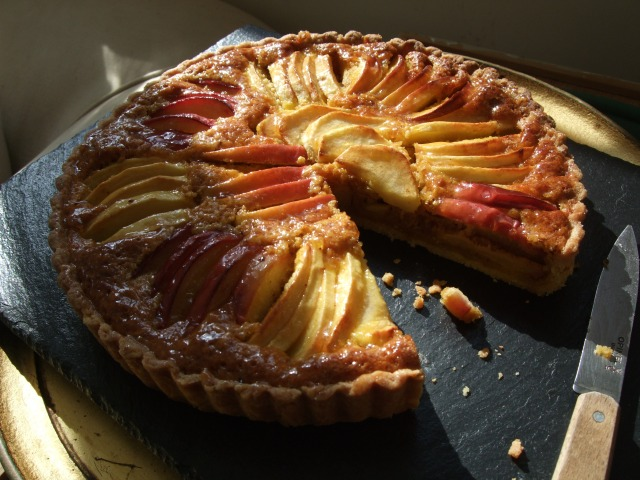 Apple and cobnut tart